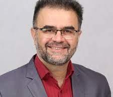 عمانی همکلاس استاندار خوزستان بوده است/ وی رشته اقتصاد کشاورزی خوانده است/ هیات تطبیق استان رزومه وی را برای تصدی سمت شهردار پیش از انتخاب بررسی کرده است